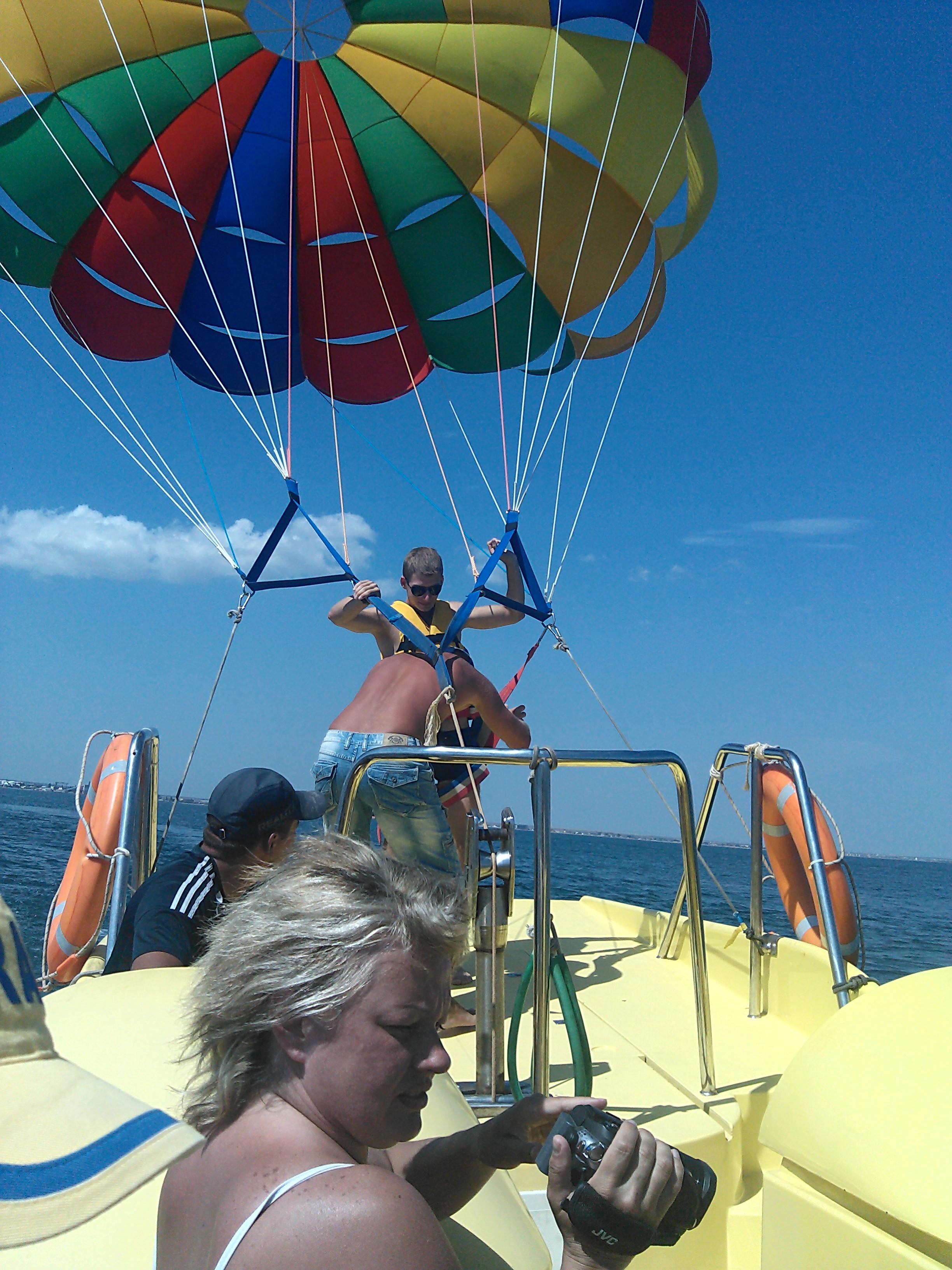 В море на парашюте (Феодосия) 4